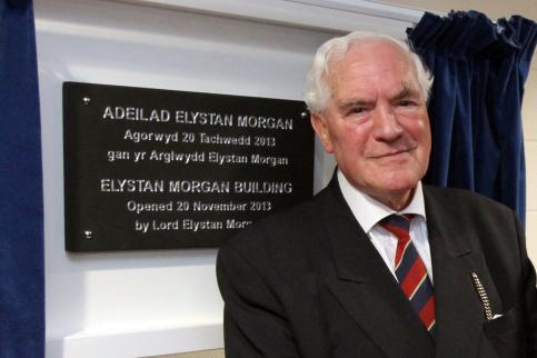 Yr Arglwydd Elystan Morgan
